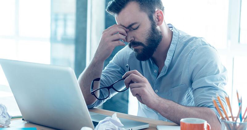 Мъж, подложен на стрес